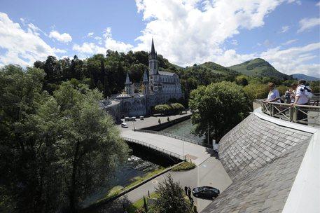 Bomb scare in Lourdes